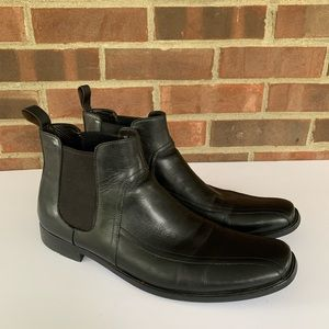 Hugo Boss Black leather pull on ankle boots